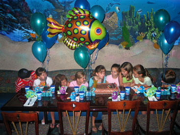 Birthday Party At The Aquarium Photo 2